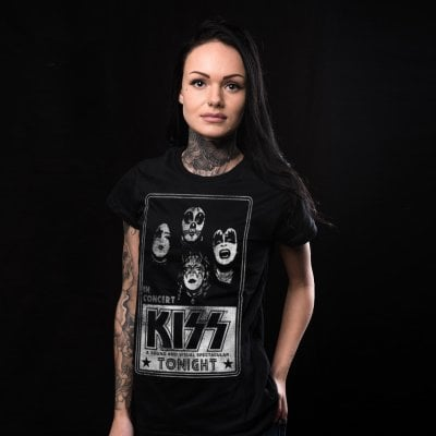 KISS in Concert Poster girl t-shirt 2