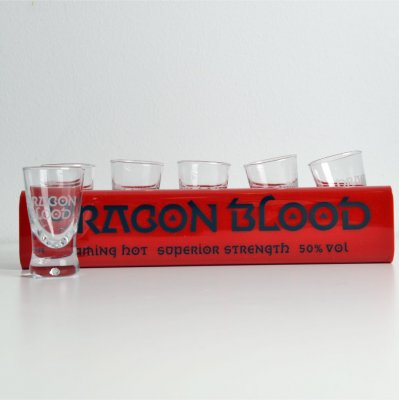 Dragon Blood Shotglasbricka + 12 st shotglas