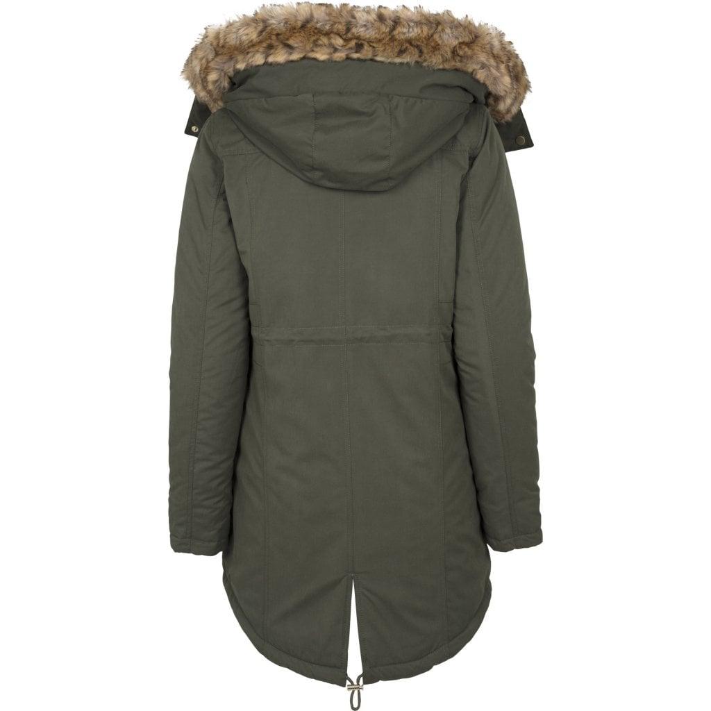 Parka - en funktionel jakke til hverdagsbrug og eventyr. Når vi taler om parka, tænker de fleste nok på en dunparka med en fluffy pelskrave, der næsten egner sig til den sibiriske vinter, men ofte ses denne type jakke inde i byerne om vinteren.